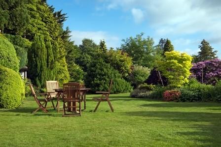 Sekrety pięknych angielskich trawników